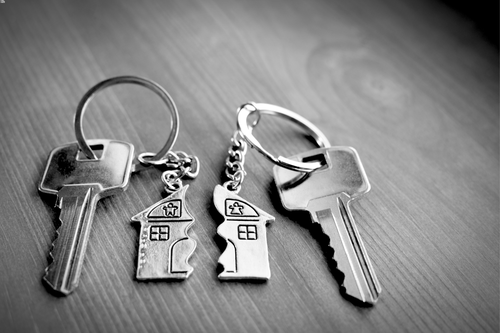 This is an image of house keys divided as a concept of splitting spousal property with Monroe divorce lawyer